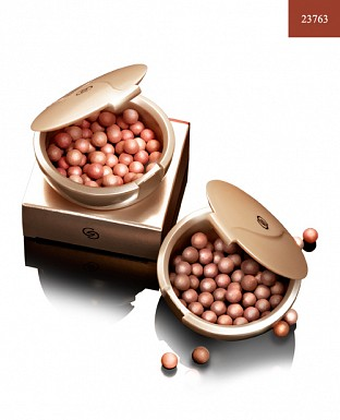 Giordani Gold Bronzing Pearls - Natural Peach 25g @ Rs1184.00