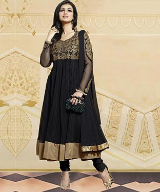 aayesha black @ Rs1235.00