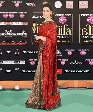 Red Net, Georgette Saree @ Rs1360.00