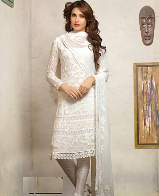 1472_Latest White Karachhi Salwar Suit @ Rs1132.00