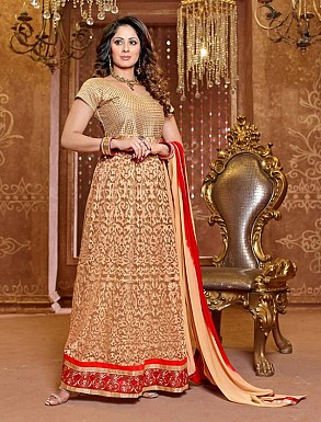 Thankar New Attractive Designer Georgette Cream Anarkali Suit @ Rs2162.00