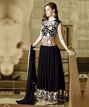 BLACK GEORGETTE PARTYWEAR GOWN@ Rs.1544.00